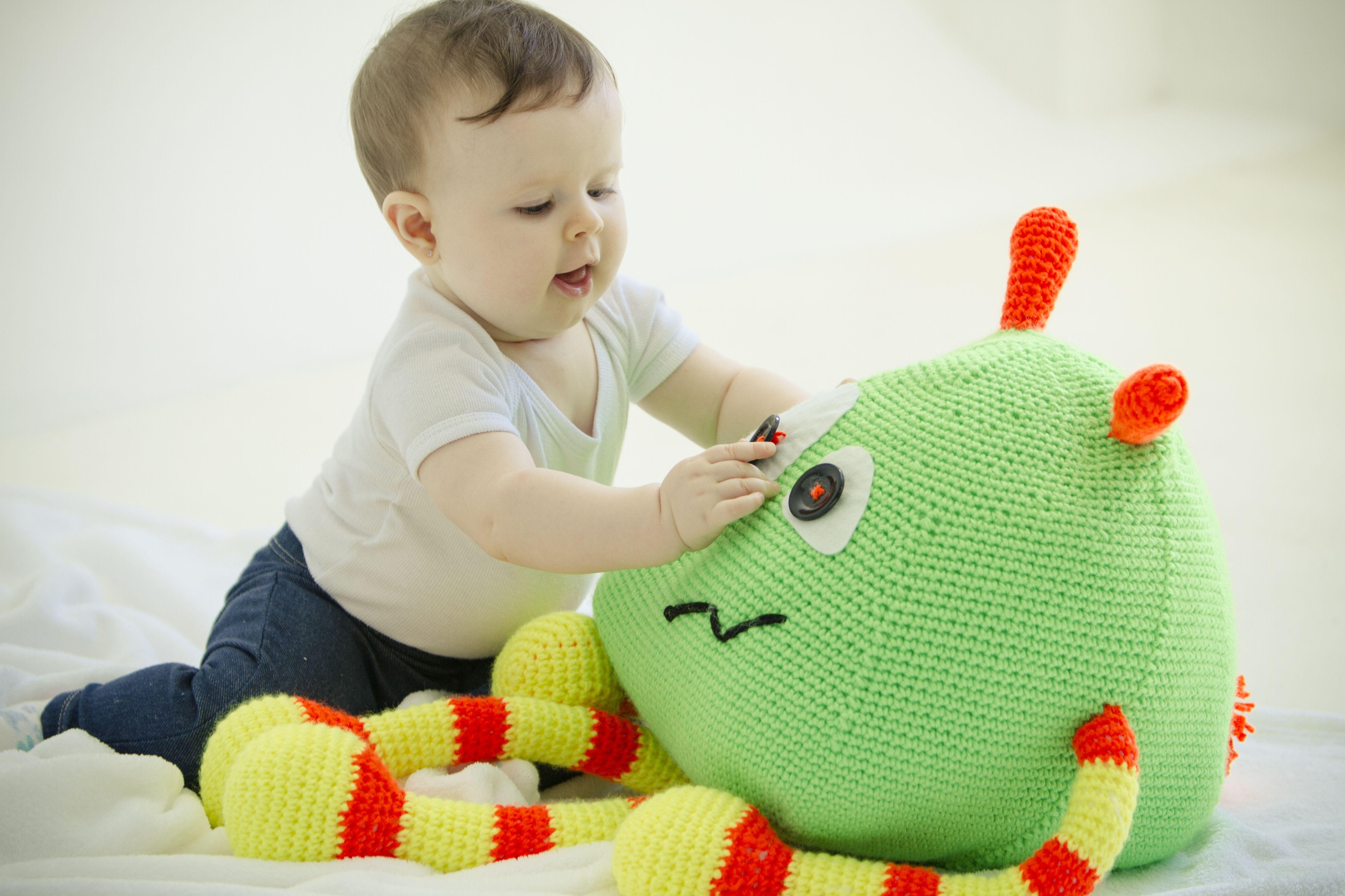 Monstrinho fofo de Crochê, Caruzo s2 > Criação: Gisele Pericinotto - Desenvolvimento: Paula Cappelli Saad, para Coats Corrente - Receitas no site: http://www.coatscrafts.com.br/