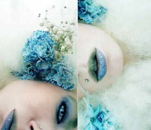 Blue flower diptyque