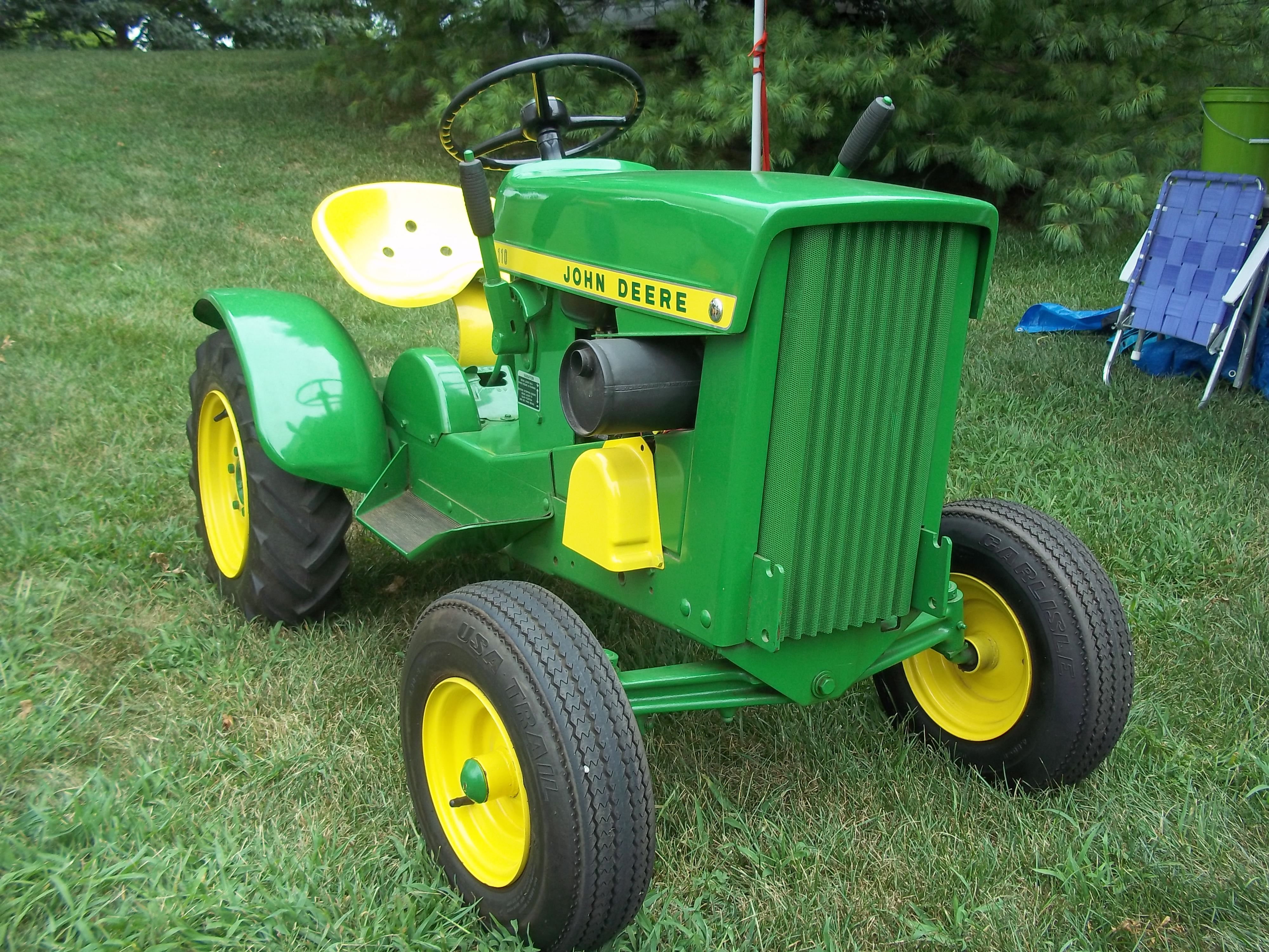 Nice john deere 110 lawn garden tractor john deere for Lawn and garden implements