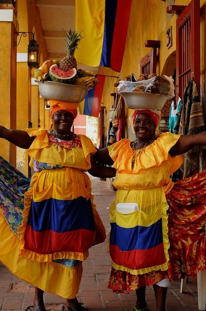 Cartanaga Columbia is a beautiful city full of brightly ...