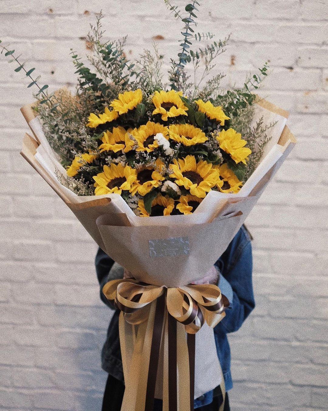 Prestige Flowers Bangkok On Instagram Big Bouquet Of Flowers Boquette Flowers Beautiful Bouquet Of Flowers