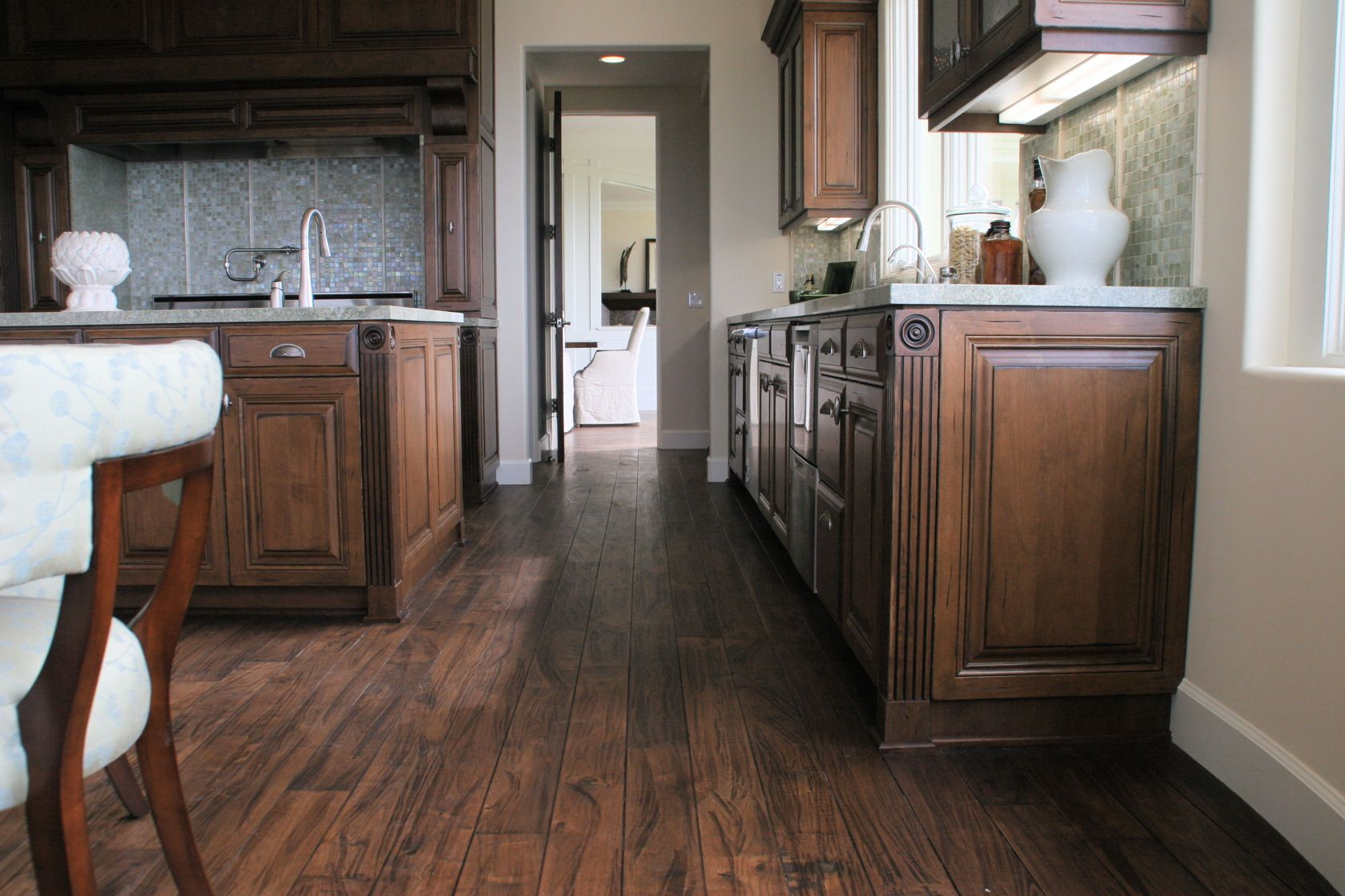 Walnut Floor Kitchen Alder Cabinets With Walnut Floors I Really Like The Color And