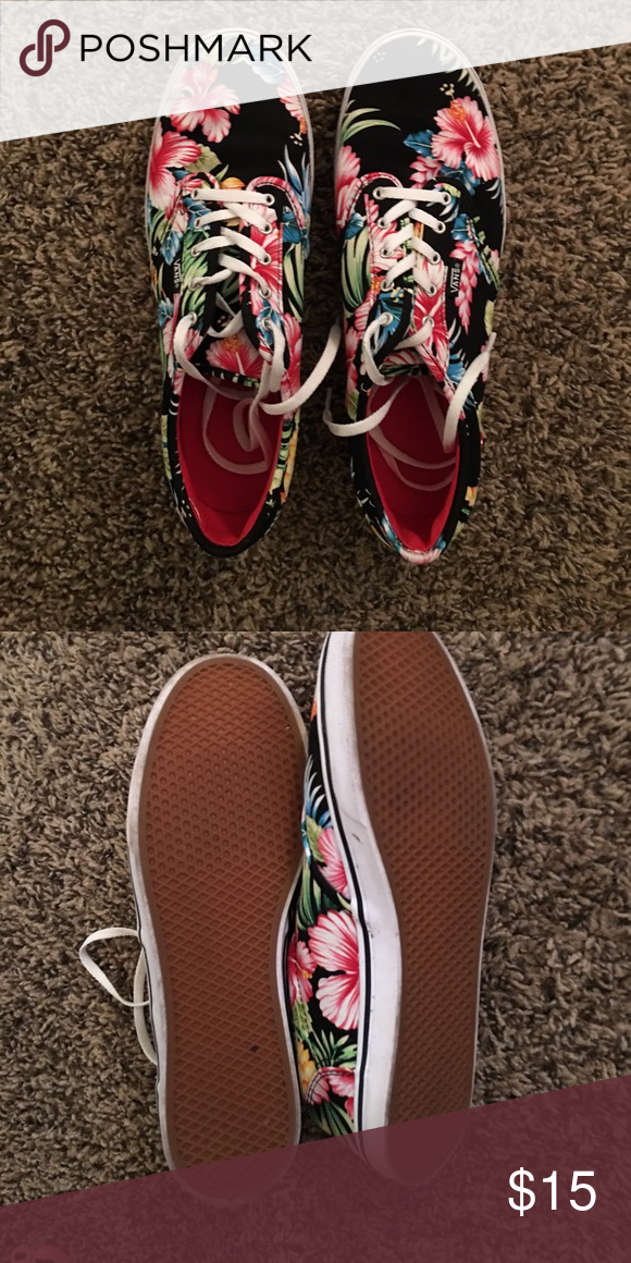 62262bd8003a1d Vans Hawaiian flower shoes Vans size 10 black with Hawaiian hibiscus  flowered tie ups. So cute! Good used condition. Vans Shoes Sneakers
