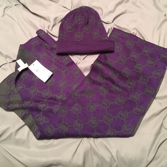 NWT MK Reversible Hat and Scarf Set Brand new, never worn! Perfect condition. Super soft. Purple and gray reversible set. Perfect for the upcoming chilly fall days! Michael Kors Accessories Scarves & Wraps