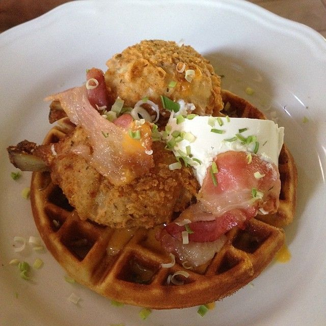 Saturday Brunch Cafe36haiti Friedchickenandwaffle Petion Ville Lalorrainehaiti Food Haiti Saturday Brunch Food Brunch