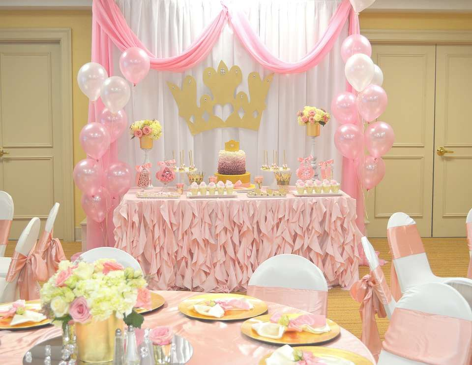 Pink princess birthday princess first birthday party for Baby girl 1st birthday decoration ideas