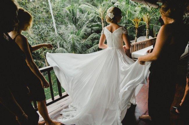 Reem Acra, Angle Hair ( Olivia) Charmeuse Size 8 Wedding Dress For Sale | Still White Australia