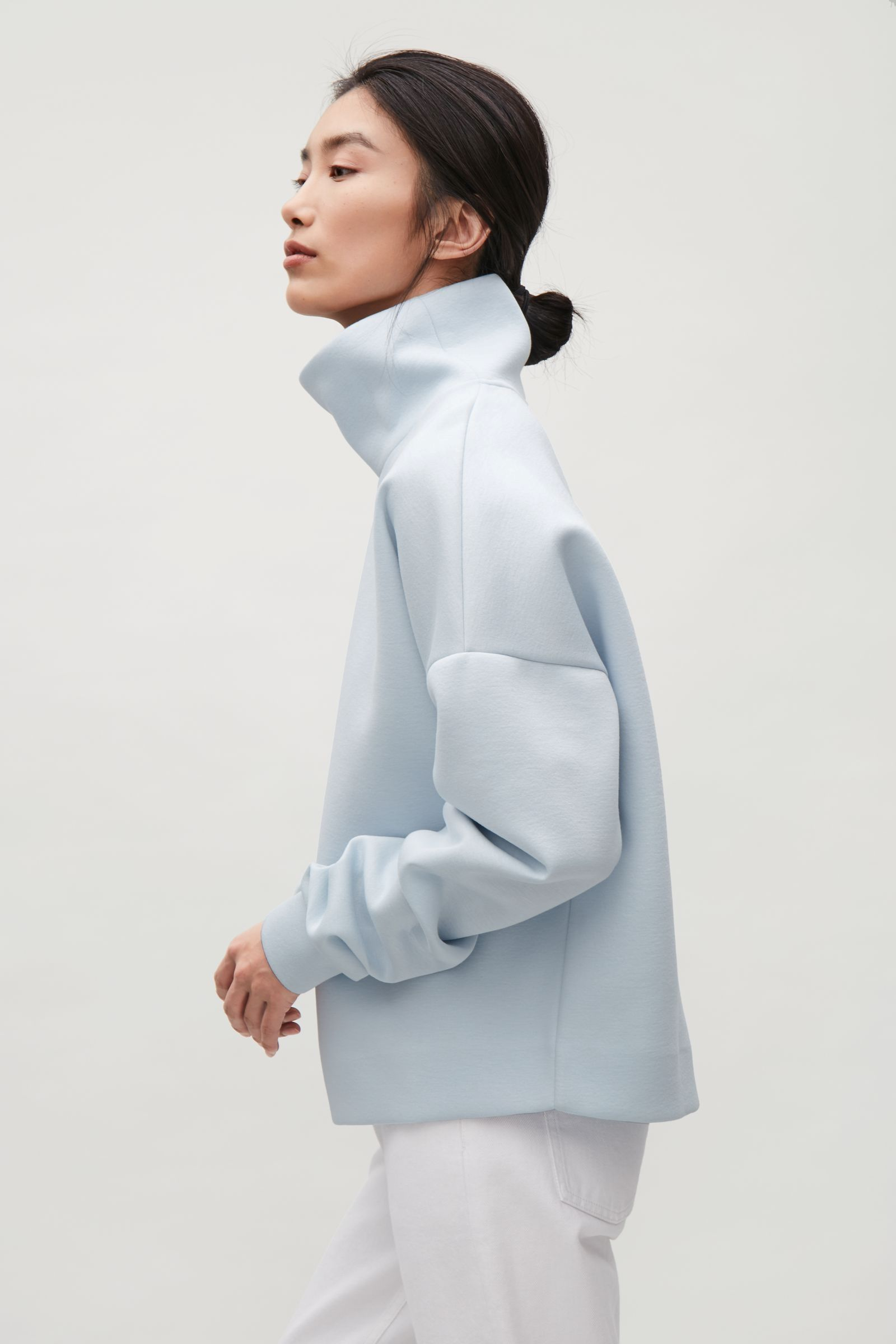 e46b4f3f39 COS image 17 of Oversized high-neck sweatshirt in Pale Blue