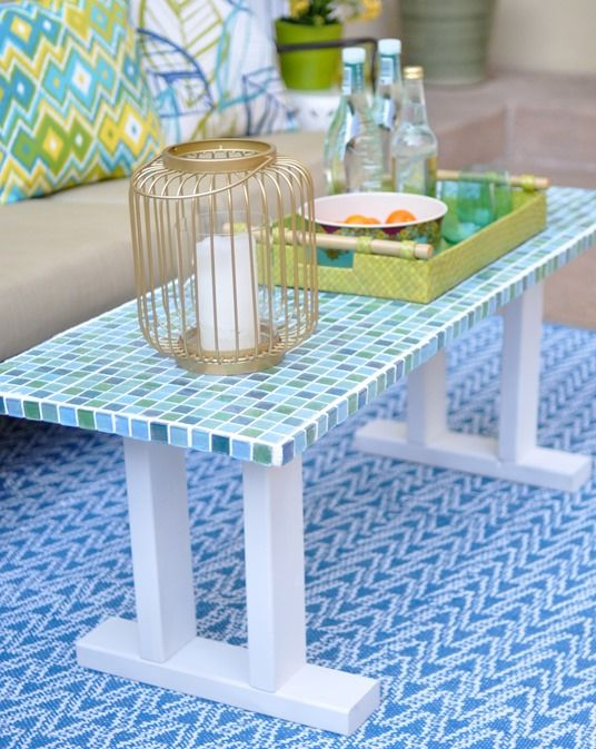 Mosaic Tile Table Bench   I LOVE THIS