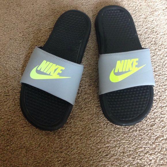 62a97e69dded Flip flops Comfy slide on flip flops! 6 youth Nike Shoes Slippers ...