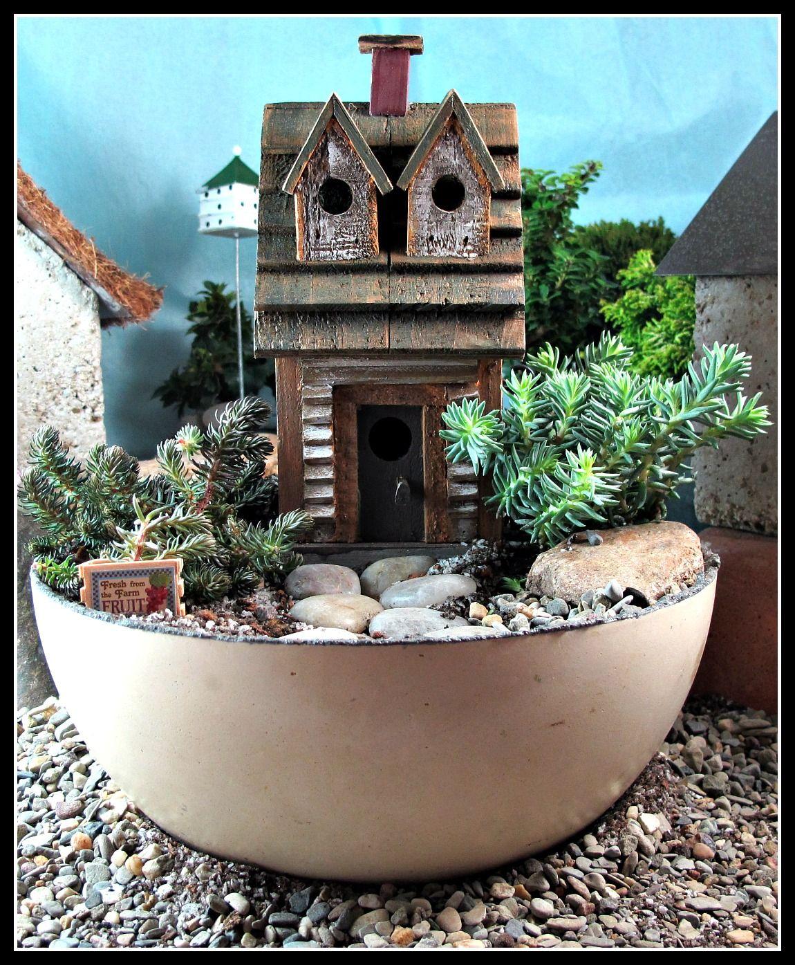 Gnome In Garden: Woodland Fairy House Miniature Garden