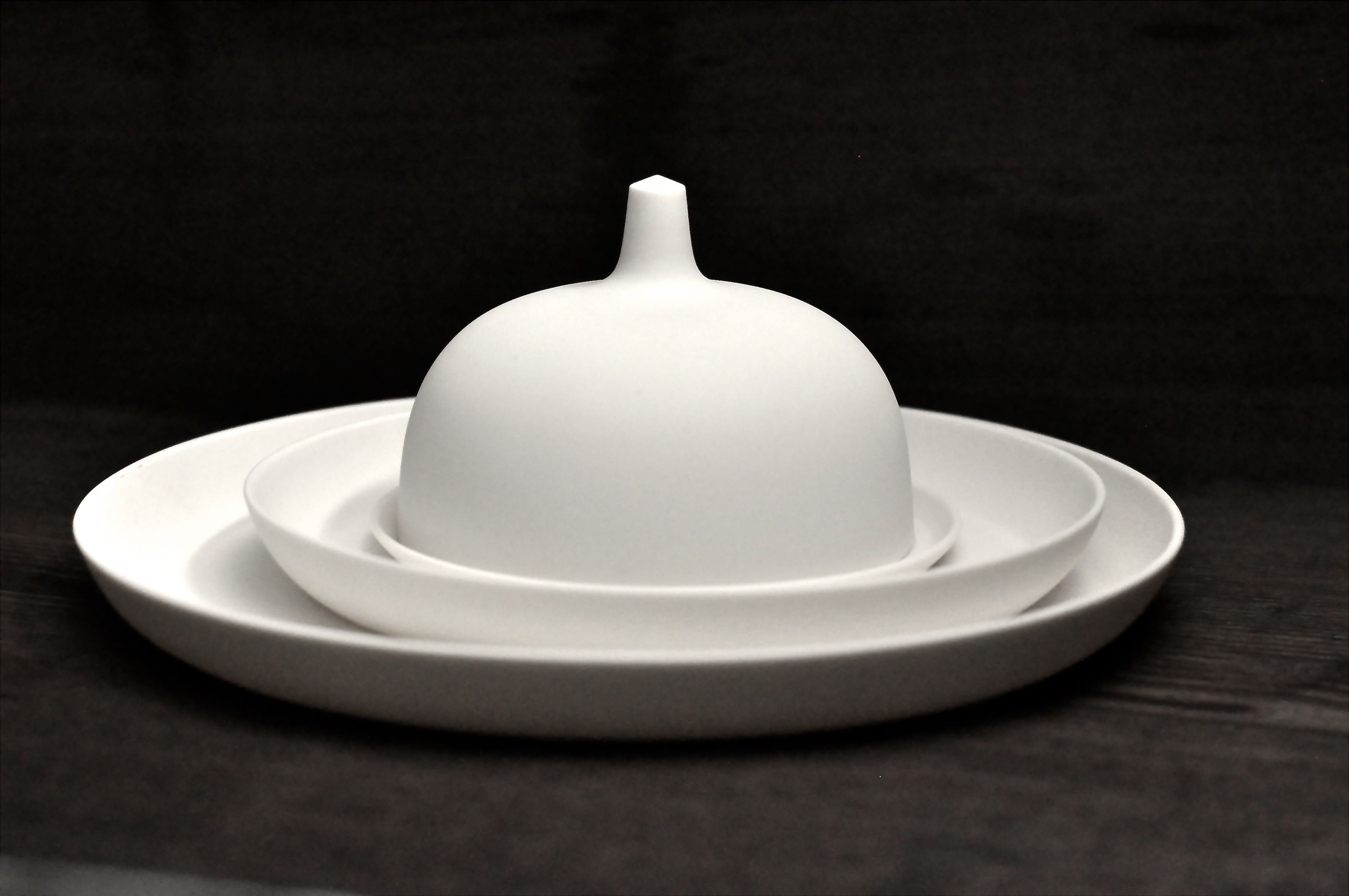 tableware white, pure, handmade, set design hande made by artdentity