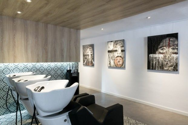 Hairdressing and Art Gallery by Cm2 Disseny
