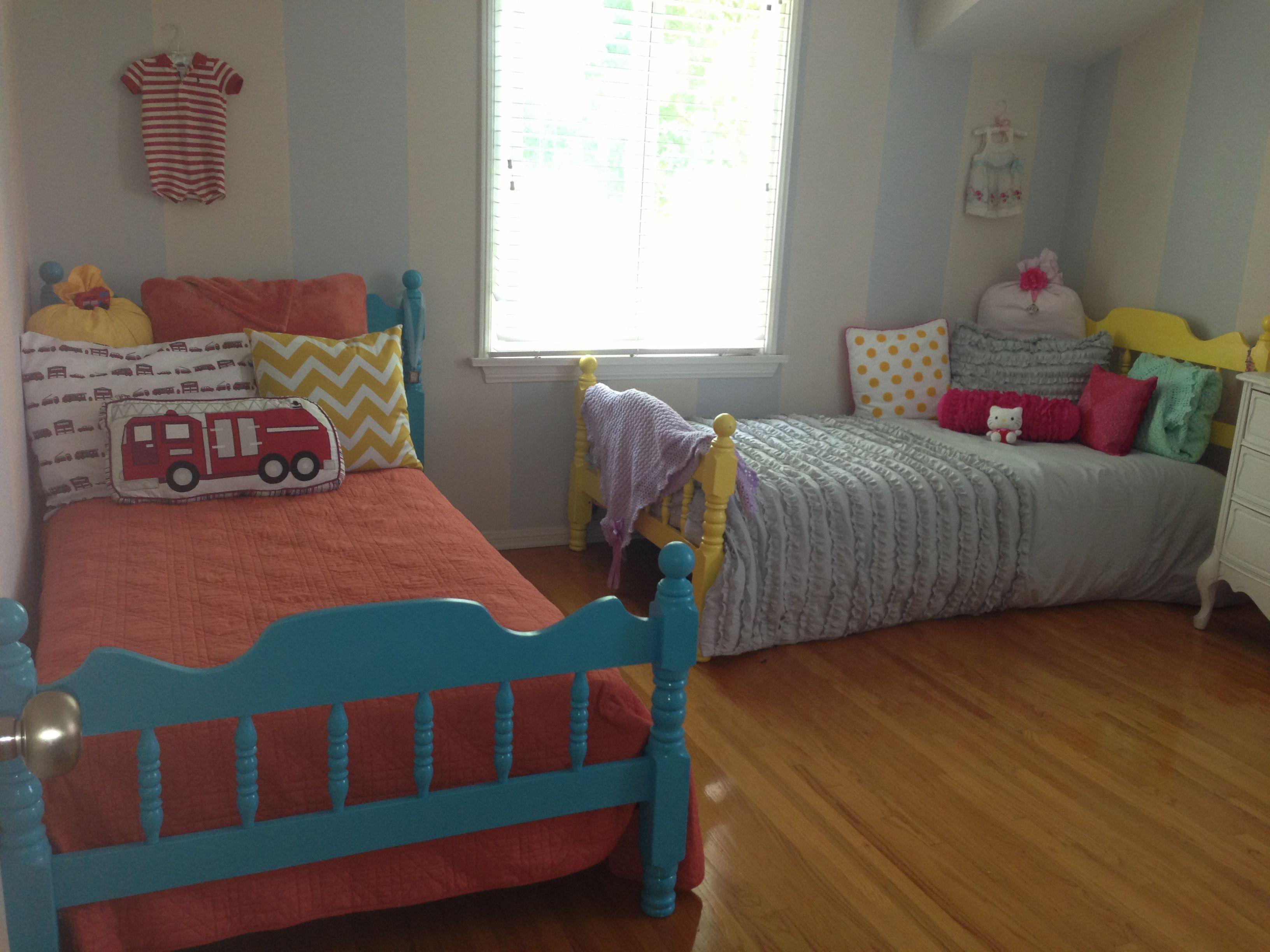 boy girl twin room shared bedrooms