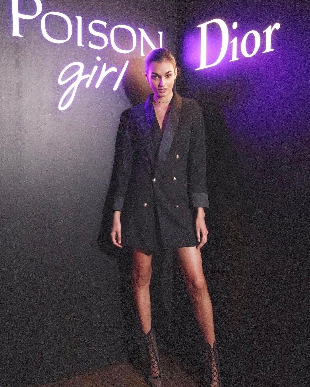 d38c703f4aa9 16. Blazer Dress | Blazer Roundup (IG) | Fashion, Celebrity style ...