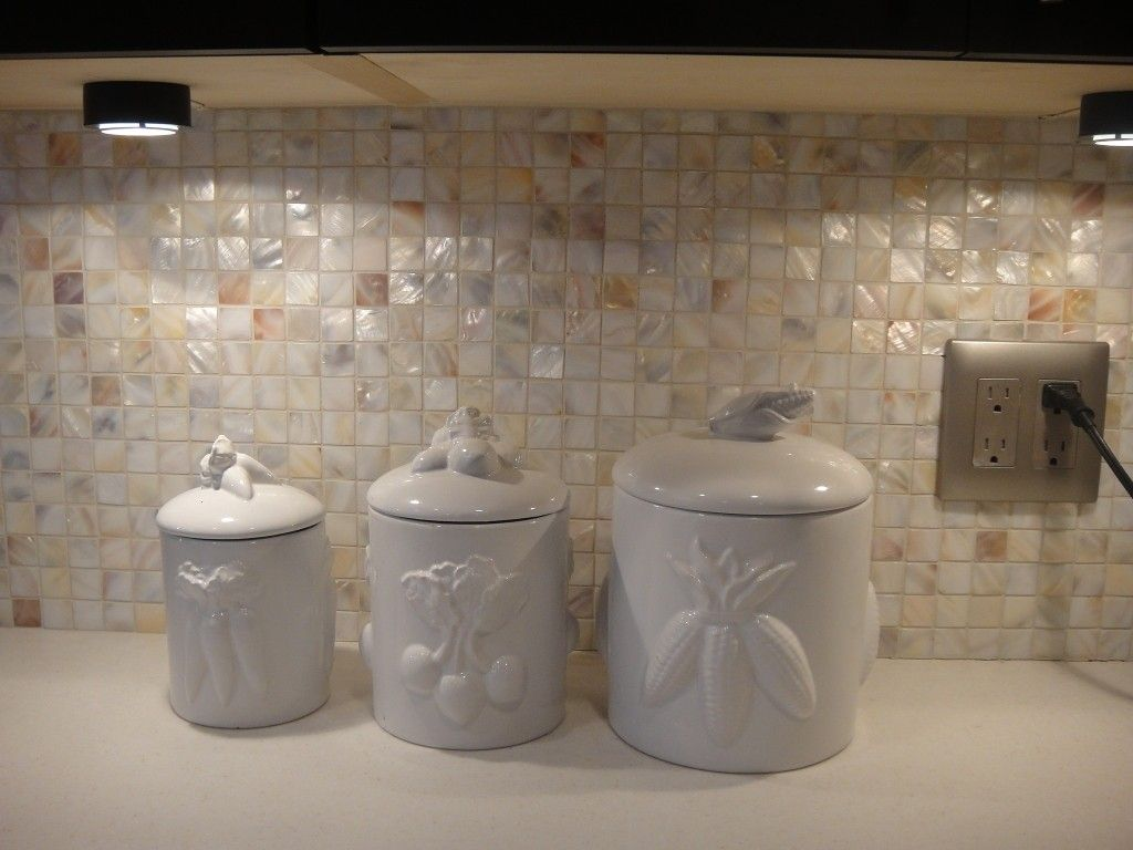 1 x 1 cream mother of pearl backsplash httpswww 1 x 1 cream mother of pearl backsplash httpswww dailygadgetfo Images