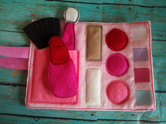 Felt Pretend Play Makeup roll with brushes