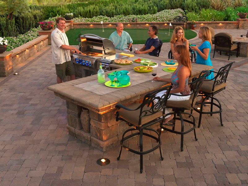 Bbq island outdoor barbecue grills system pavers for Outdoor barbecue island ideas