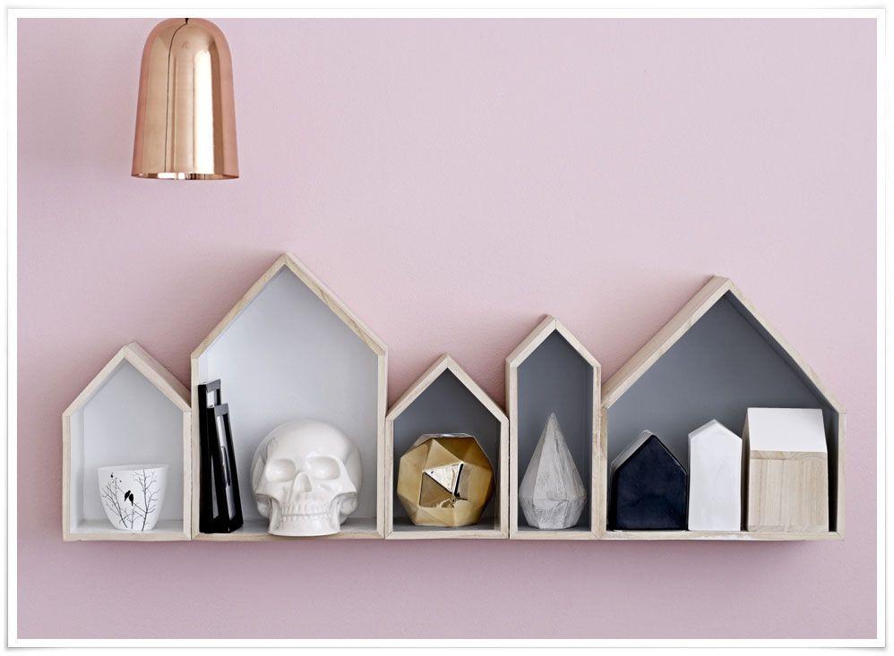 On craque pour cette jolie idée  des casiers en forme de maison