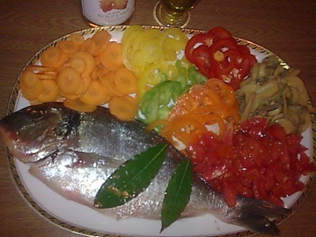 ΜΑΓΕΙΡΙΚΗ ΚΑΙ ΣΥΝΤΑΓΕΣ: Τσιπούρα με λαχανικά !!!