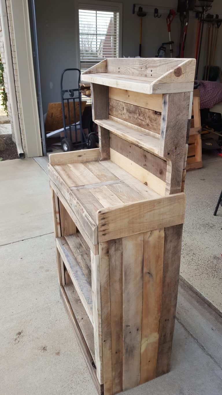 Get Your Grow On: Back Porch Pallet Gardeners Hutch