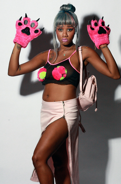dai burger - Google Search | Female rappers, Photo, Photoshoot