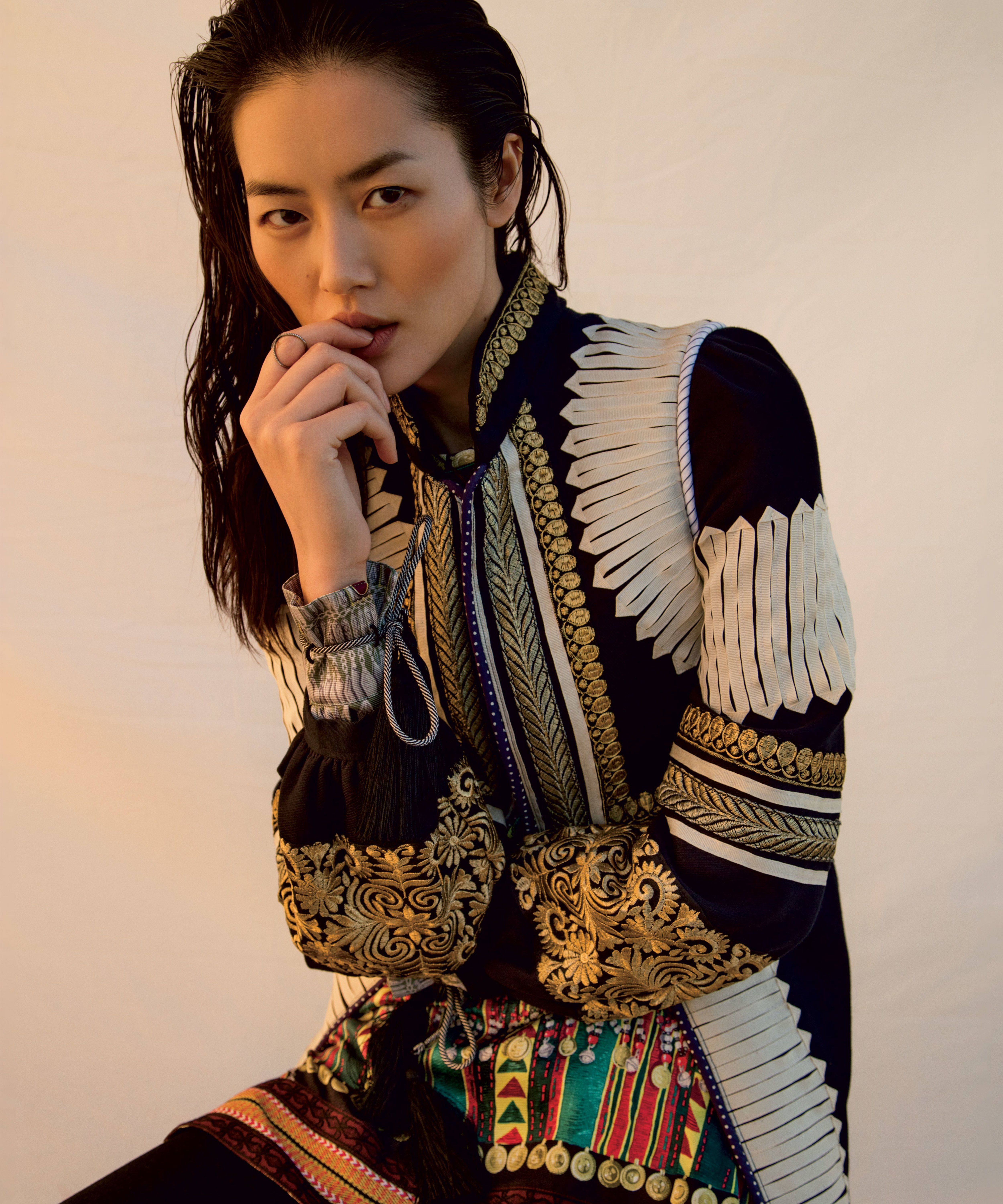 How Models Like Ashley Graham, Gigi Hadid, and Liu Wen Are Democratizing  Fashion