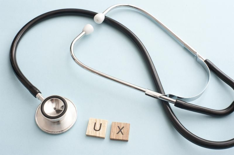 Free image of user experience concept with stethoscope