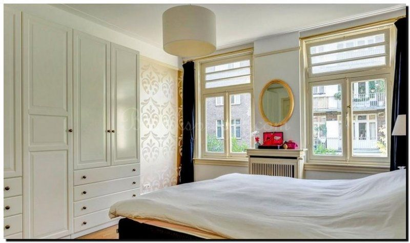 ovale-spiegel-goud-in-slaapkamer | ronde spiegel ovale spiegel ...