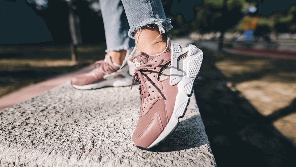 finest selection 7225b 88ffb Nike Air Huarache    Run  Mauve White Taupe   Womens Trainers  634835-203    Nike  RunningShoes