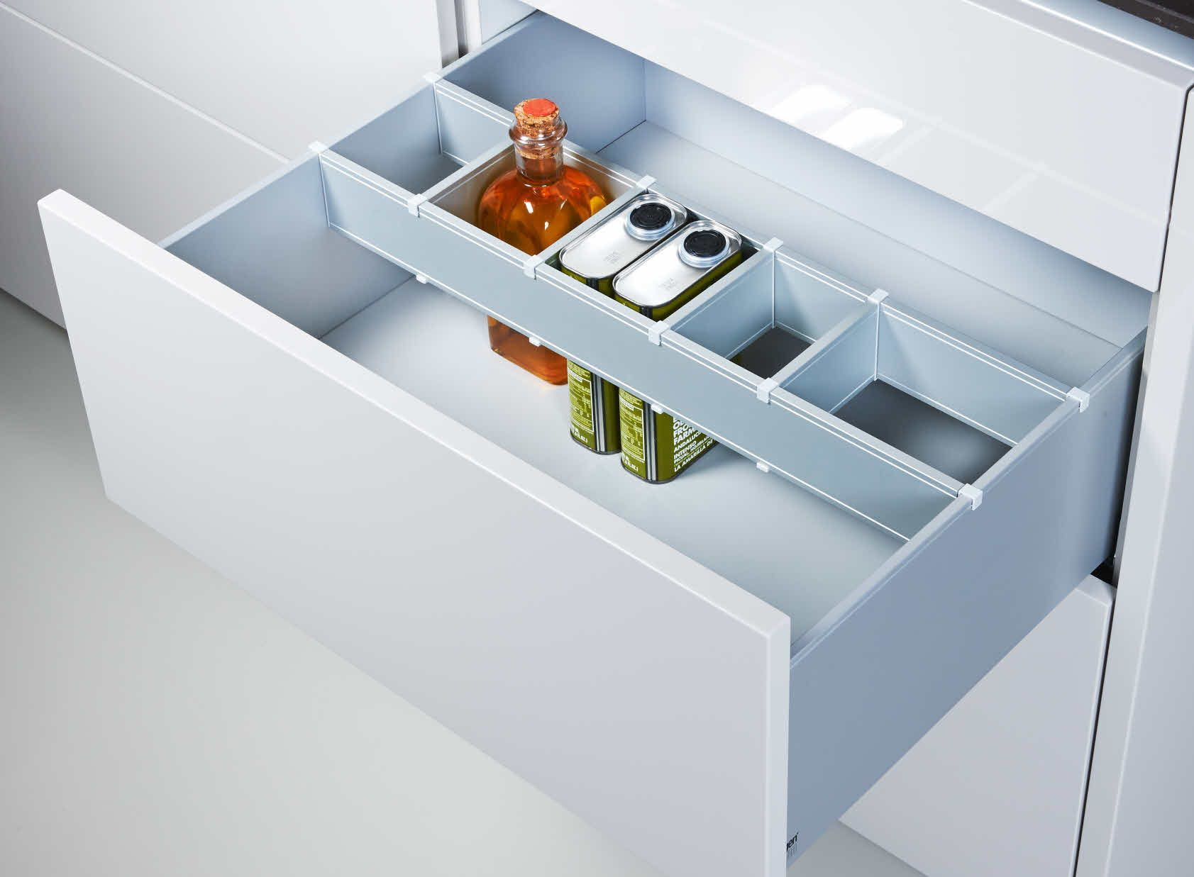 Poggenpohl\'s extensive range of inserts for drawers and pull-out ...