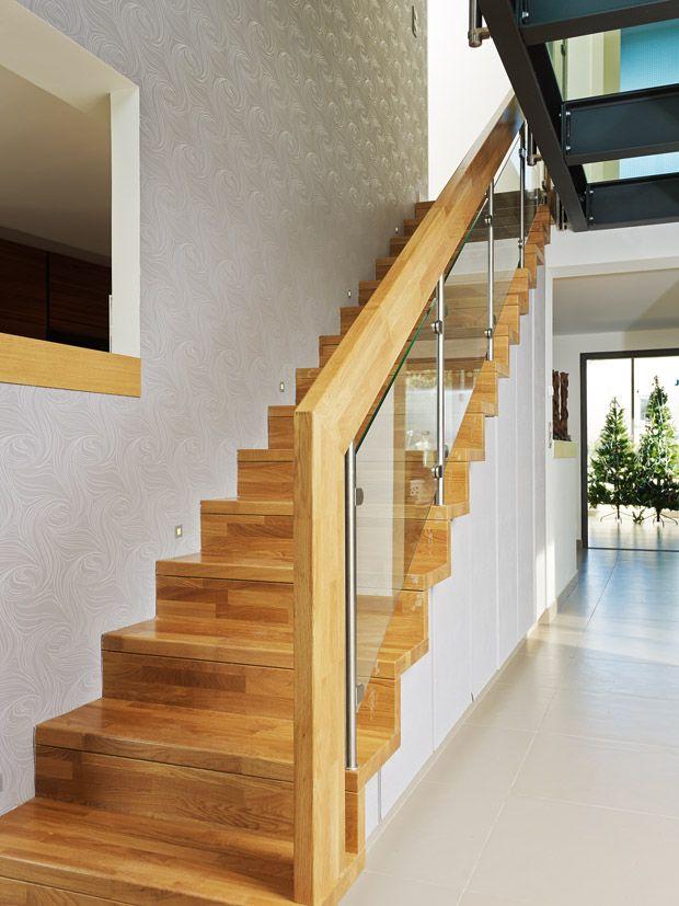 Escalier marche et contremarche avec agencement garde-corps bois et
