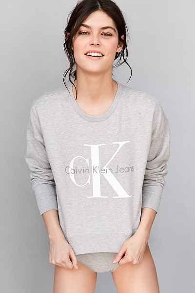 Calvin Klein For UO Cropped Pullover Sweatshirt | Calvin