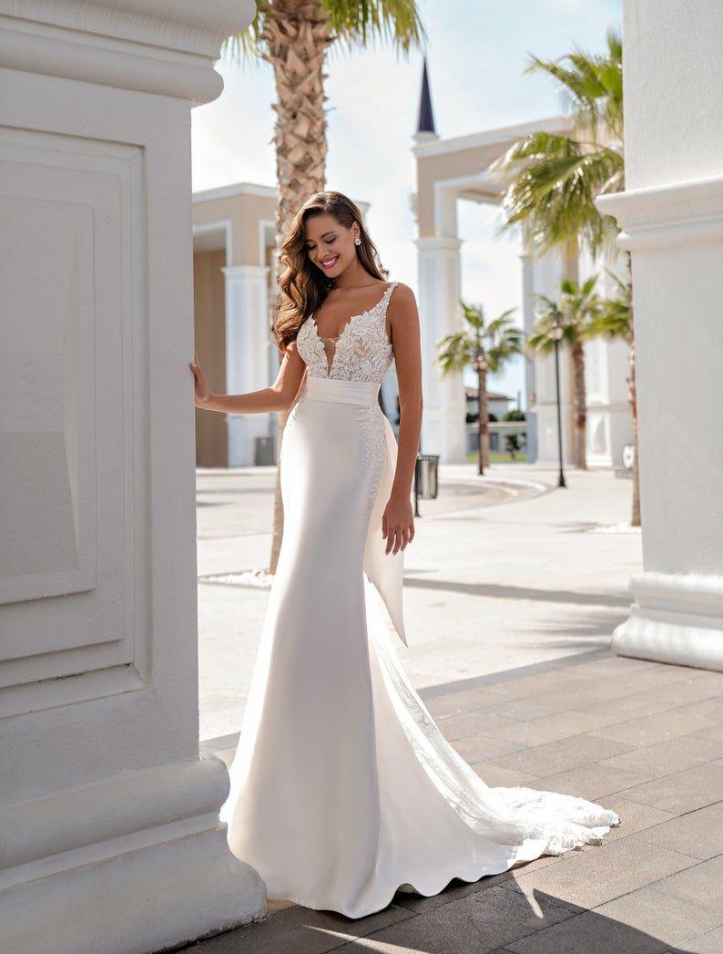 A Line Wedding Dress Unique Design Romantic Wedding Dress Etsy In 2021 Wedding Dress Train Long Train Wedding Dress Etsy Wedding Dress [ 1047 x 794 Pixel ]