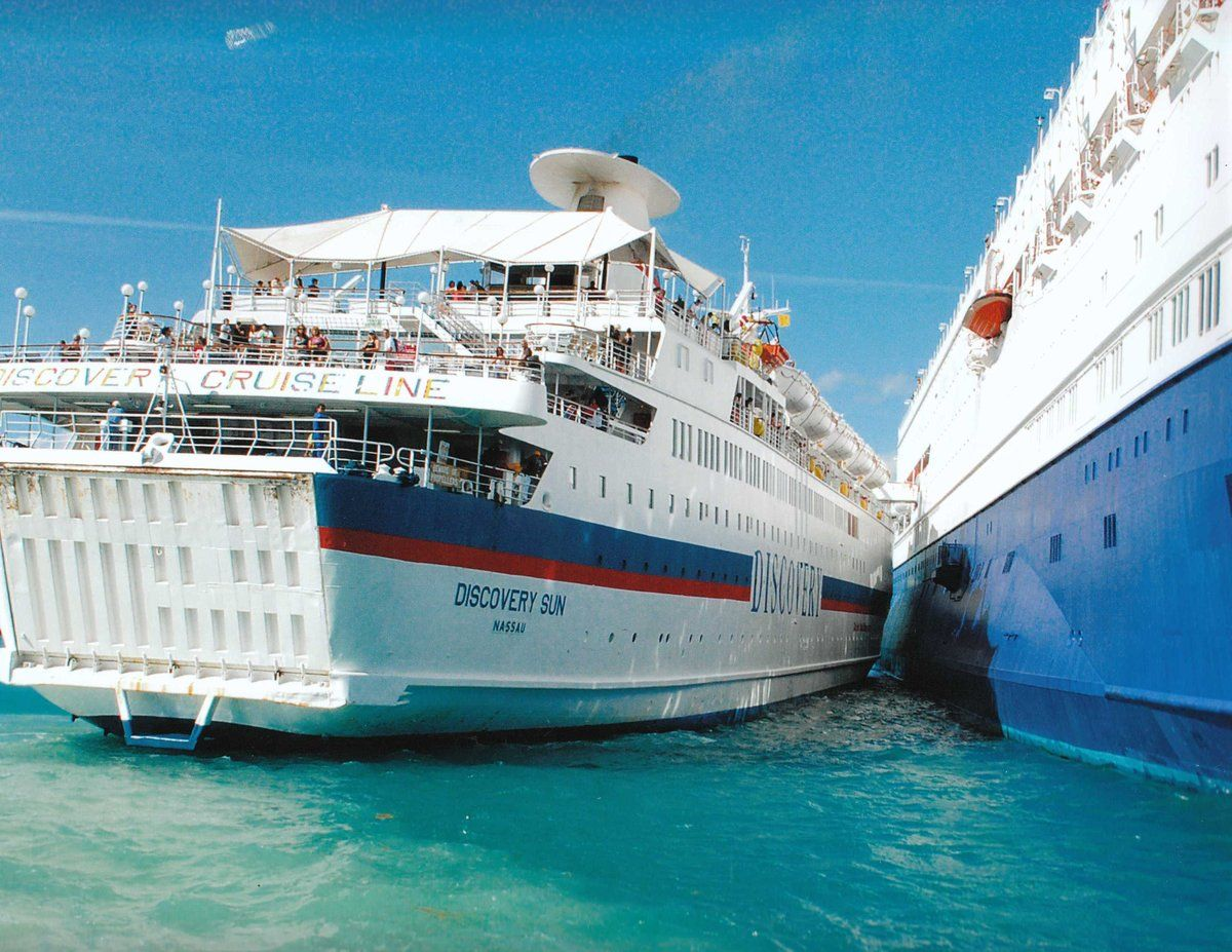 Light Collision Between Discovery Sun And Bahamas Celebration - Discovery sun cruise ship