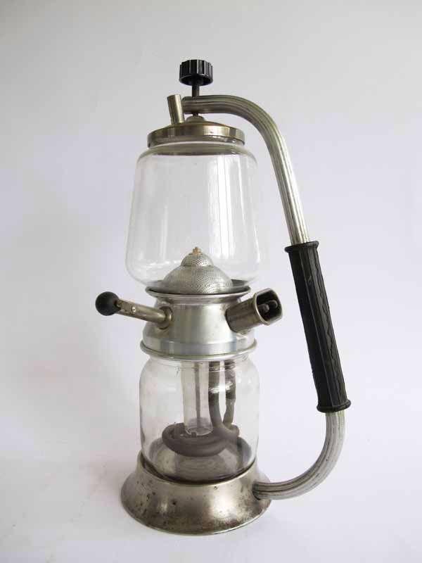 Eine ungarische kaffeemaschine aus den 30er 40er jahren for Mobel aus den 40er jahren