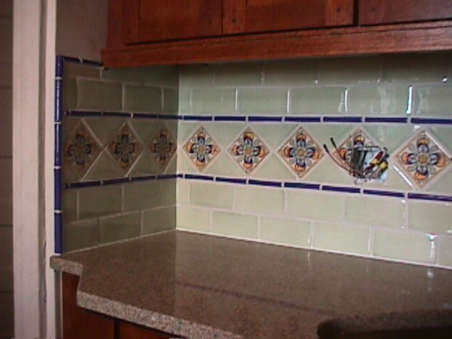 Mexican tile backsplash house style interior for Spanish style kitchen backsplash