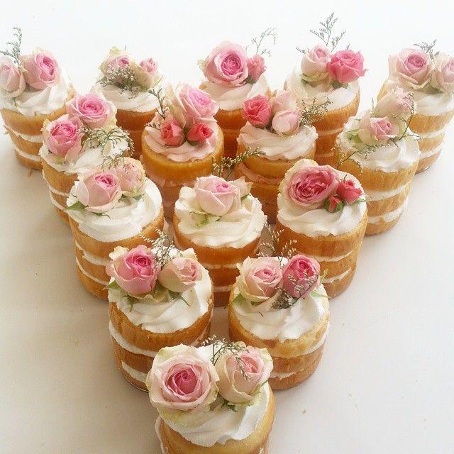 Wedding Cupcake Decorating Ideas: Mini Naked Cakes With Flowers