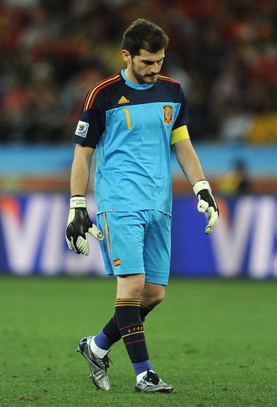 Iker Casillas Photos Photos Spain V Switzerland Group H 2010 Fifa World Cup In 2020 Iker Casillas Fifa World Cup Fifa