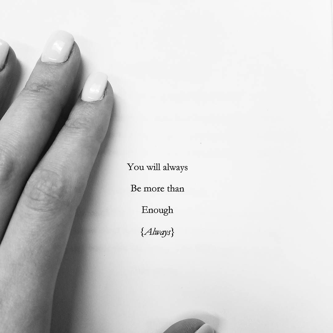 2,621 vind-ik-leuks, 23 reacties - Kayil York (@rose_thorns1921) op Instagram: 'Sometimes you just need to be reminded. Over and over again until you believe it ❤ #writer #writing…'