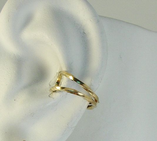 Ear Cuff, Gold Ear cuff, Non-pierced, Cartilage Wrap, Earring Fake Conch, No Piercing, Cuff Earring, Faux Pierced Hoop Double Twist EDWGF