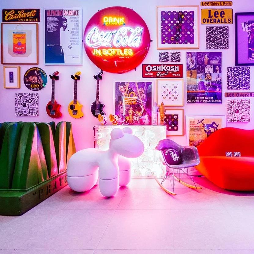 Nigos Pony Chair Homeless Penthouse Aarnio Pony Modern Room
