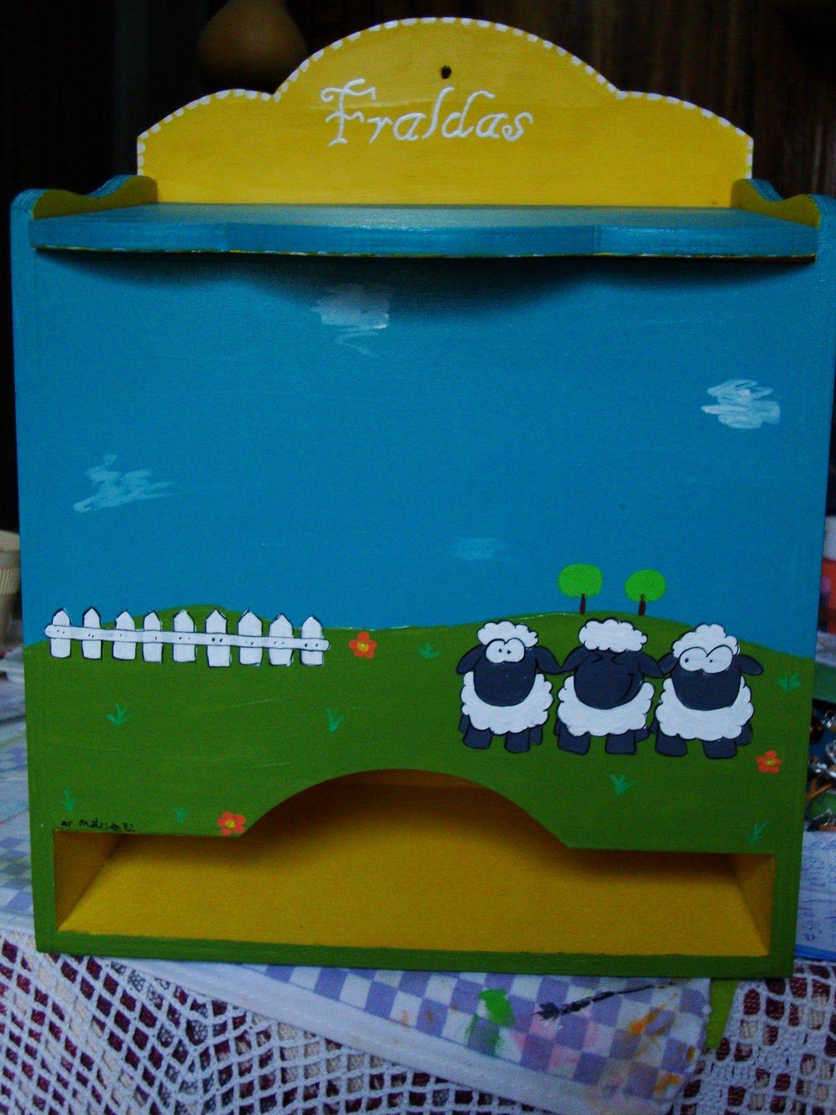 Acho super fofo estas ovelhas :)  http://asmalasdabi.blogspot.pt/2012/12/fraldario-cheio-de-ovelhas-loucas.html