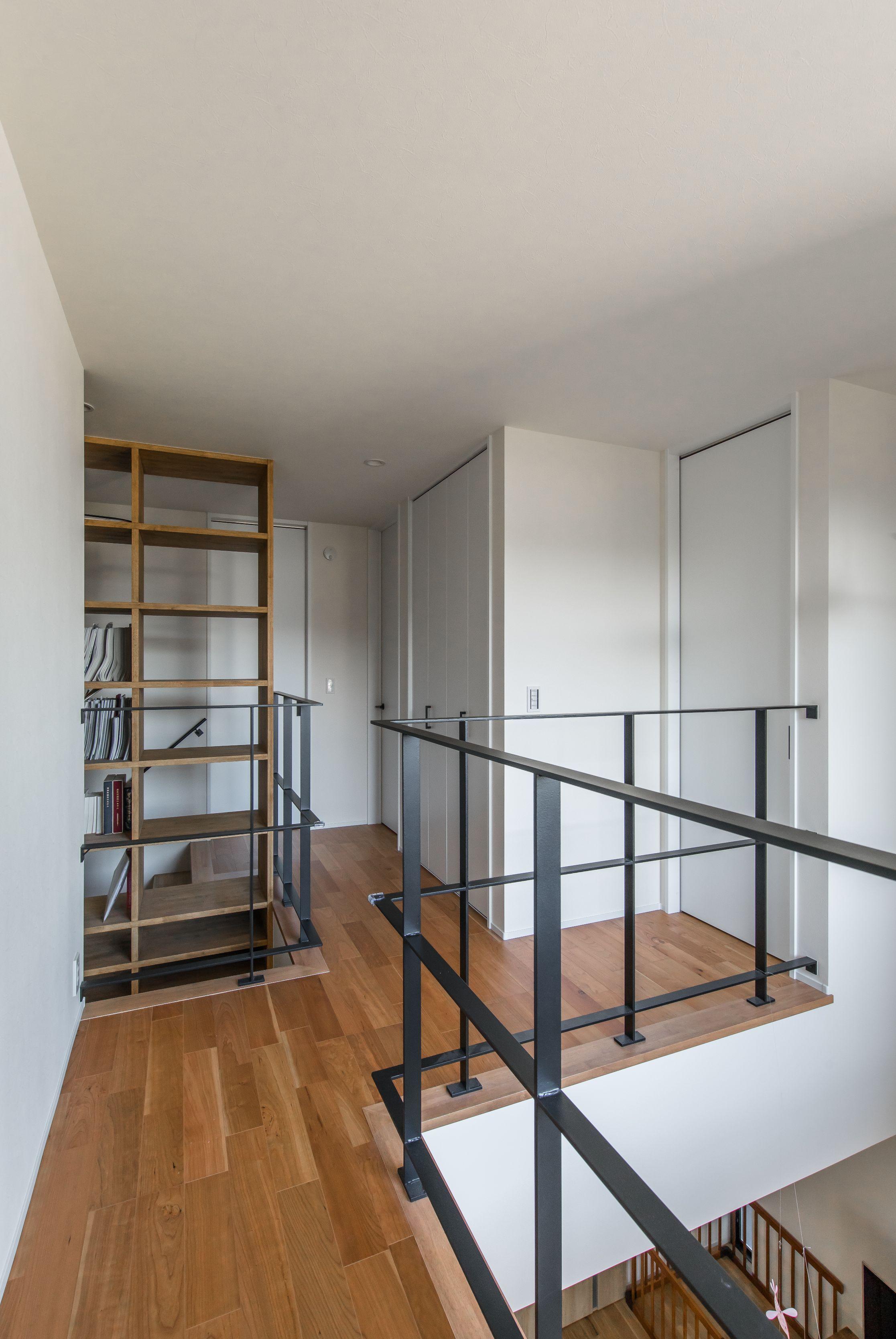 ジグザグに空間をつなぐ遊び心のある廊下 ルポハウス 設計事務所