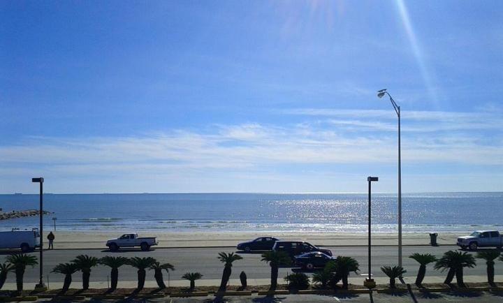 Beach View Gaidos Seaside Inn With Images Beach View