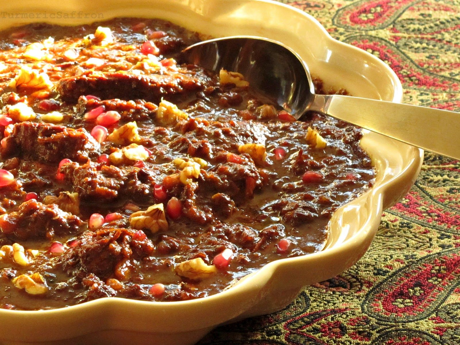 Turmeric and Saffron: Fesenjoon - Pomegranate Walnut ... Persian Pomegranate And Walnut Chicken Stew