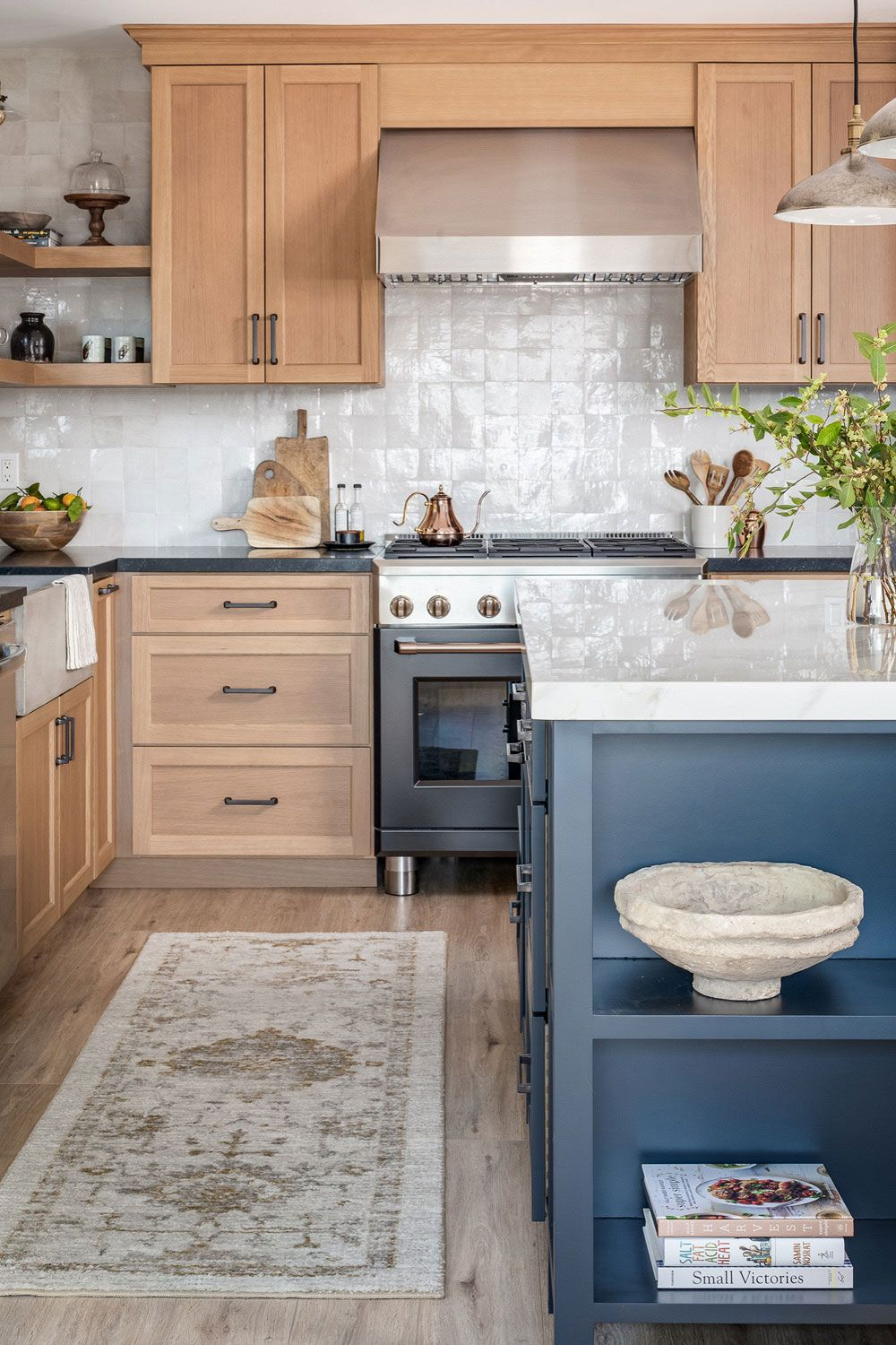 53+ Two Tone Kitchen Cabinets ( STYLISH & TRENDY ) - Cabinet Designs
