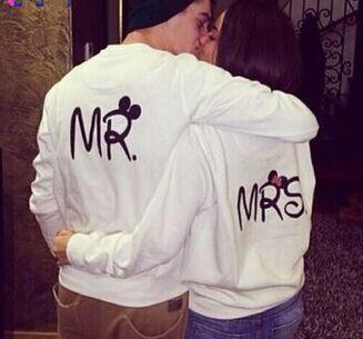 a5b458027d EAST KNITTING H1036 2017 Autumn Fashion MR. And MRS. Couple Clothes Full  Sleeve White Sweatshirt Funny Women Pullover For Lover