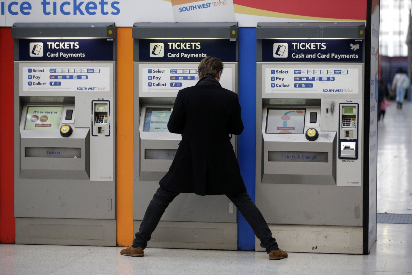 UK trains to let contactless cards act as paper tickets In