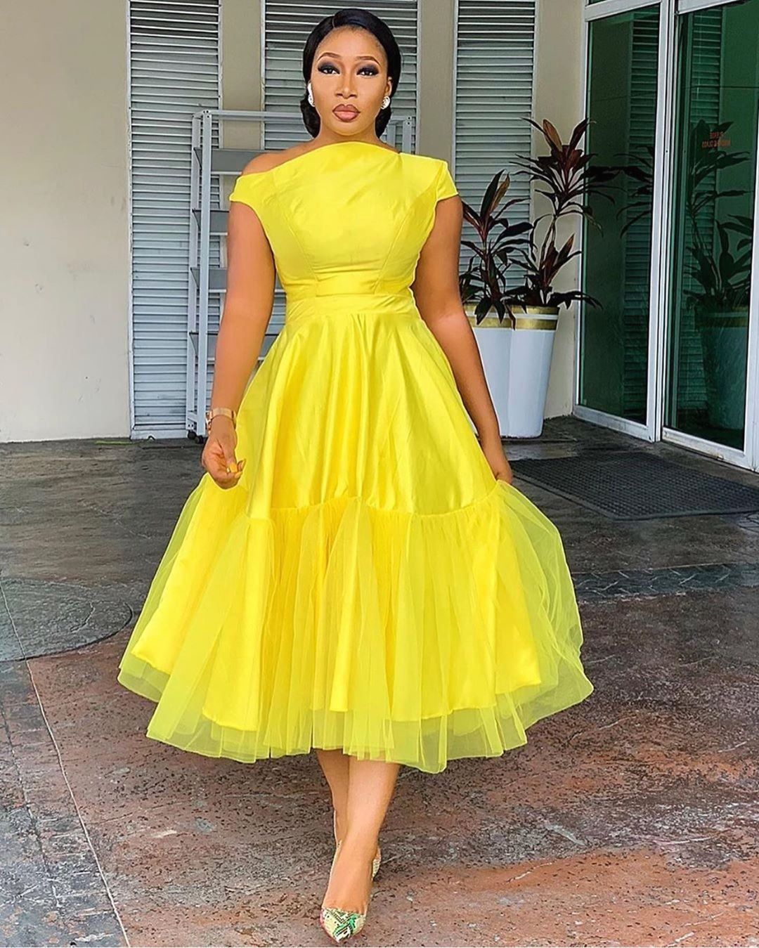 African Trendy Styles On Instagram Wedding Guest Style Inspiration Just Becau African Print Fashion Dresses African Fashion Dresses African Wear Dresses [ 1349 x 1080 Pixel ]